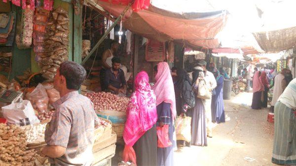 রাজবাড়ীতে কাল থেকে সীমিত আকারে খুলছে দোকানপাট